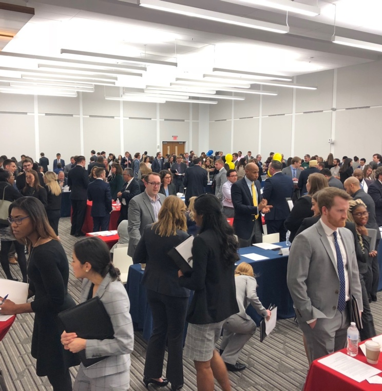 Externship Fair Connects Students with Opportunity
