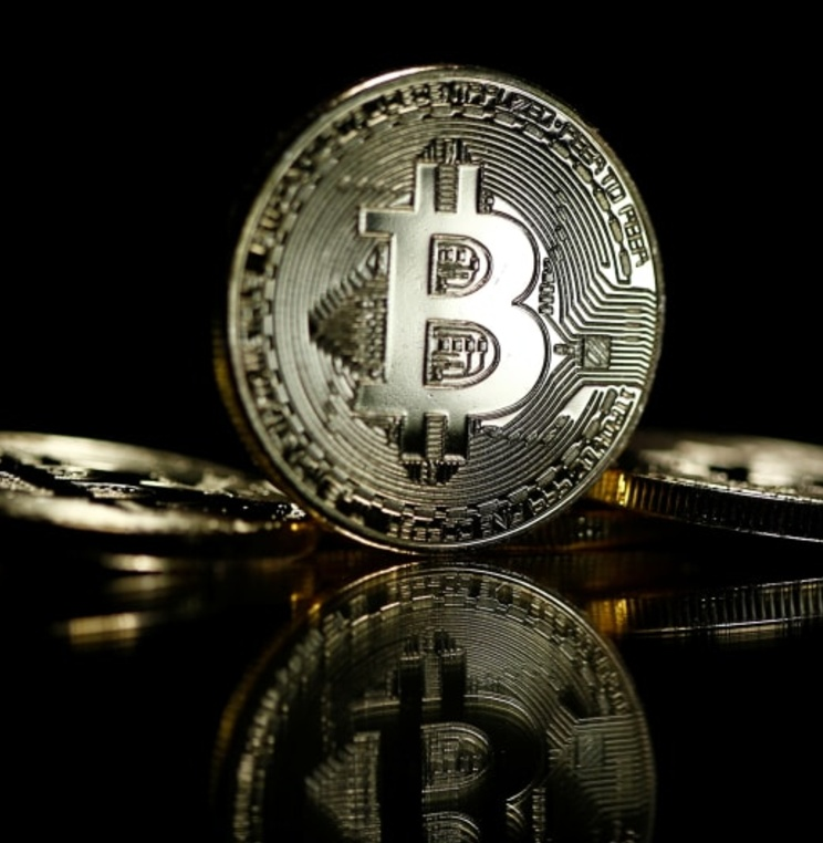Business Law Program Pioneers First U.S. Course on Virtual Currency Laws
