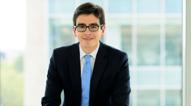 Practitioner-in-Residence Adrian Alvarez Honored with Hispanic Bar Association Rising Star Award