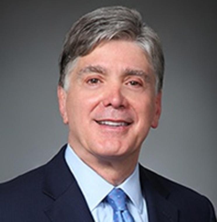 associate director of the Business Law Program Professor Jerry Comizio