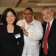 Sherry Weaver greeting Commissioner Ishimaru of the EEOC with Yujin Kim of the law school's APALSA (2009).