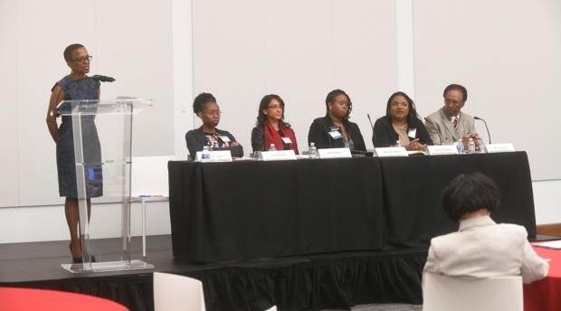 Professor Angela J. Davis leads a discussion on criminal justice reform.